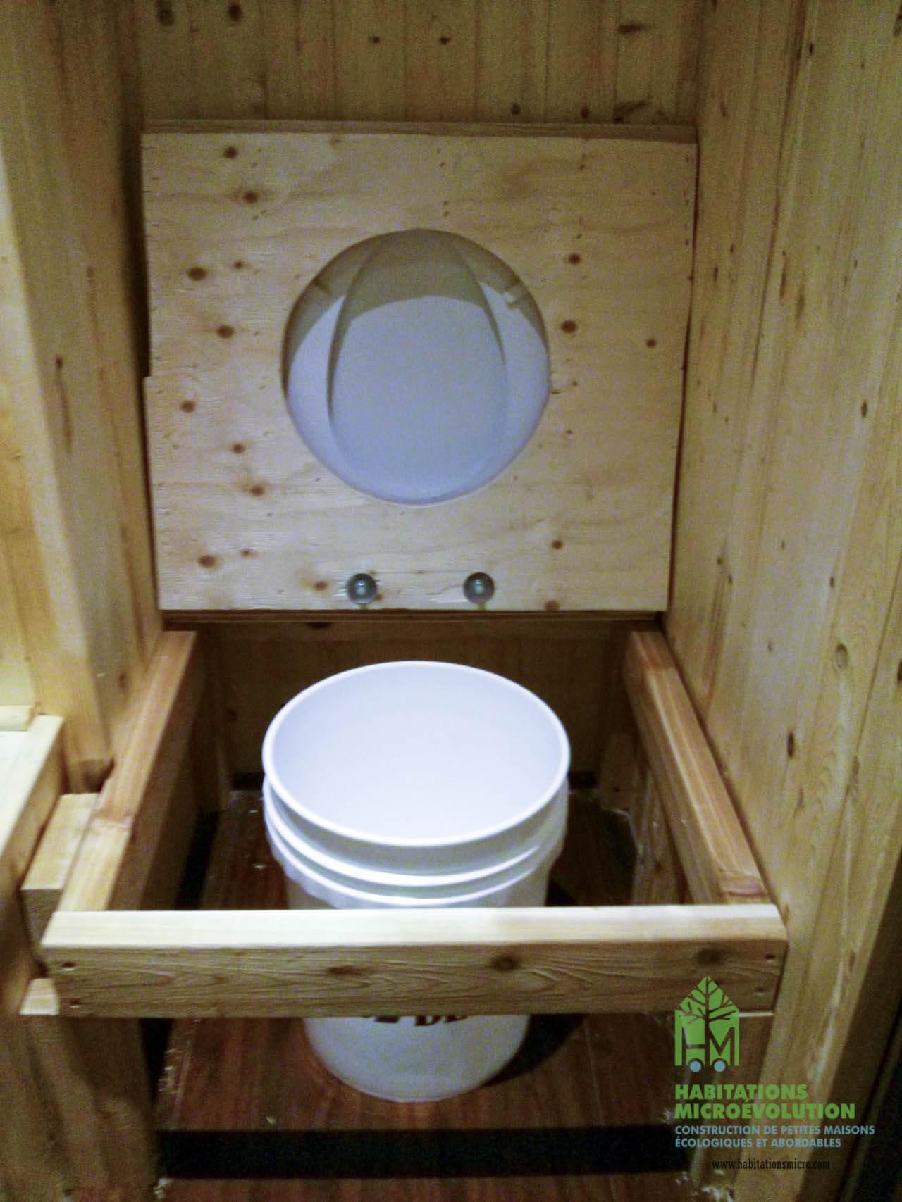 Toilette à compost 2