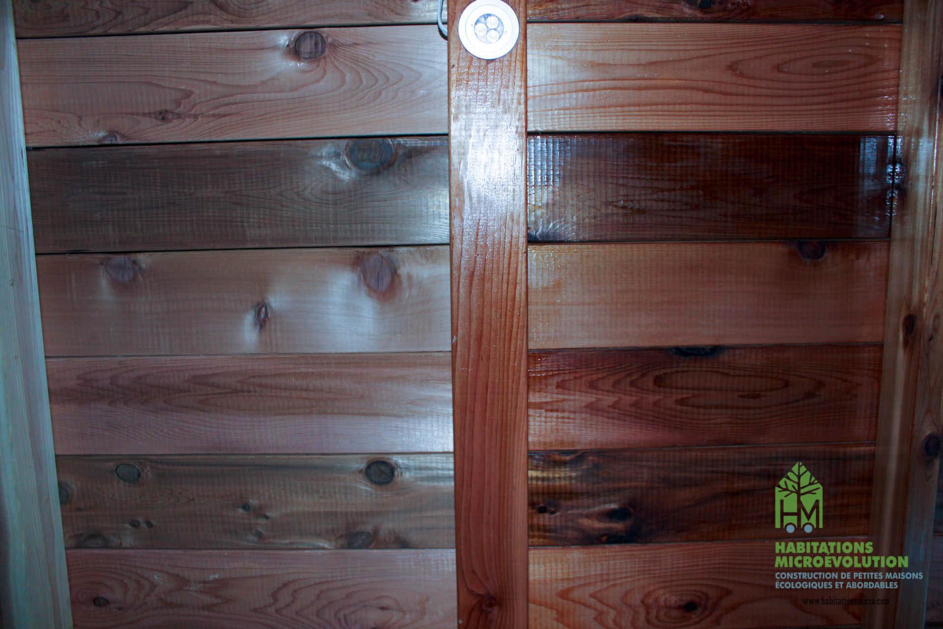 Traitement de protection pour lambris de bois