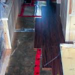 Installation du plancher de bambou