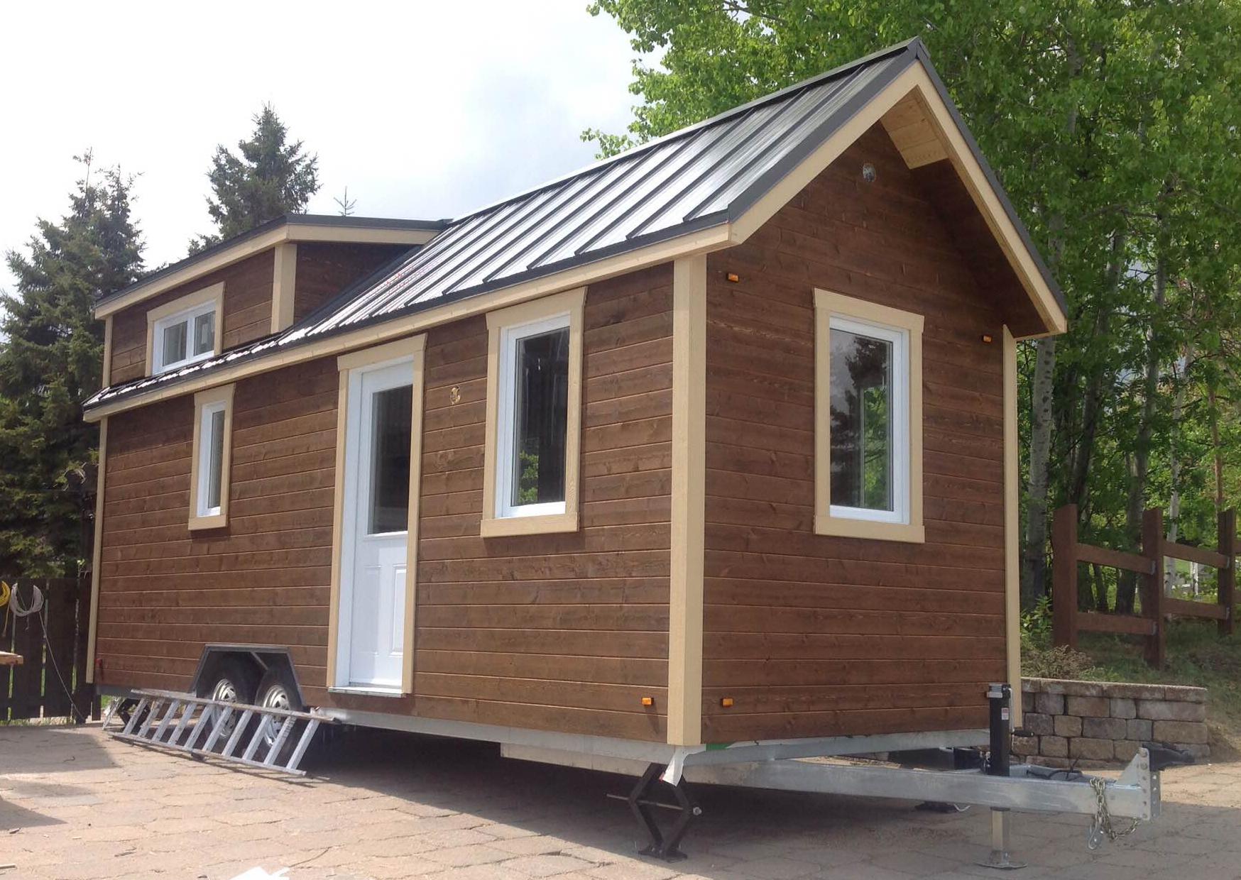 Remorque mini maison en acier galvanis for Maison mobile prefabriquee prix