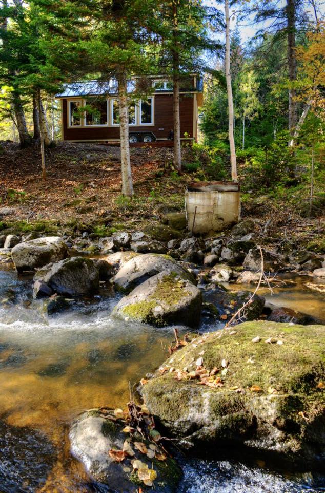 Tiny house chalet bord de l'eau